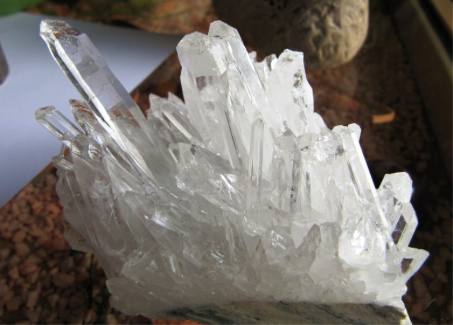 bergkristall nadelquarzst fchen heilsteine edelsteine bergkristall heilsteine. Black Bedroom Furniture Sets. Home Design Ideas