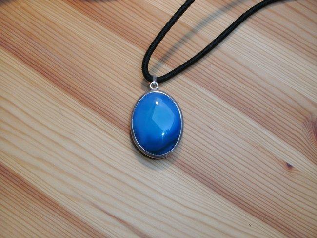 blauer onyx was w rdet ihr sagen edelsteine steine namen bestimmen wie heisst der stein. Black Bedroom Furniture Sets. Home Design Ideas