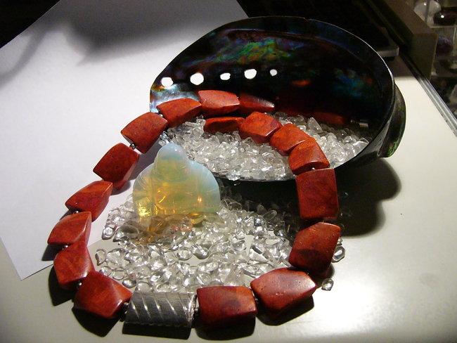 Rote schaumkoralle galerie mein schmuck eigenes for Rote wandfarbe wirkung