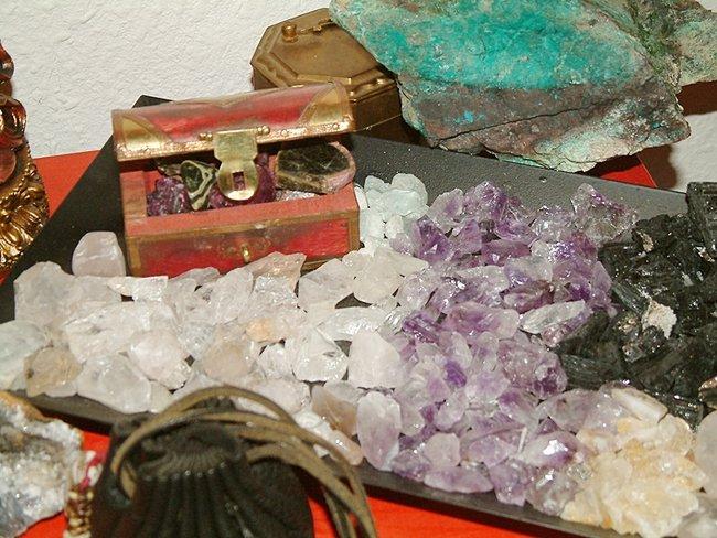 Habt ihr altare schreine besondere eckchen daheim meditation heilsteine wirkung und - Zen garten bedeutung ...
