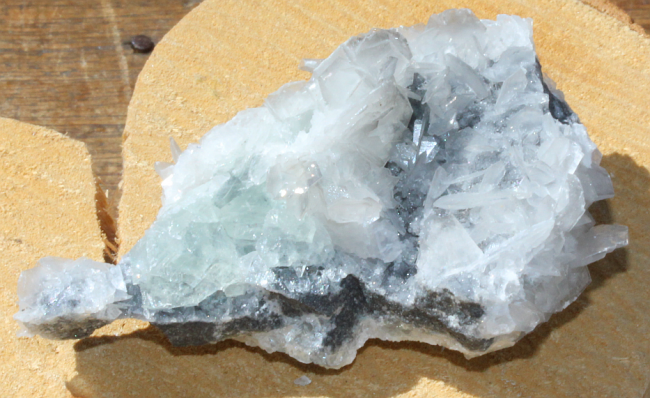 49g Newly discovered natural calcite + Green FLUORITE 2.png