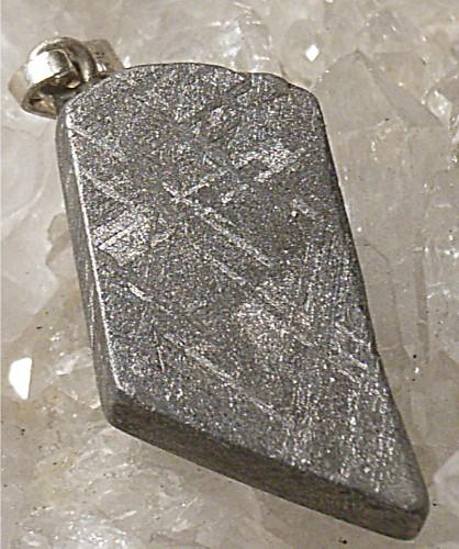 meteorit eisenmeteorit heilsteine edelsteine m heilsteine informationen und bedeutung. Black Bedroom Furniture Sets. Home Design Ideas