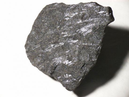 Titan mineral