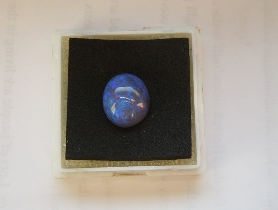 opal blau heilsteine edelsteine opale heilsteine informationen und bedeutung. Black Bedroom Furniture Sets. Home Design Ideas