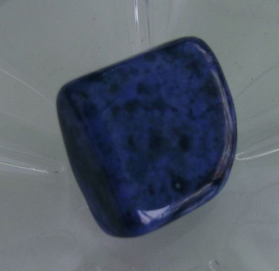 edelstein dunkelblau